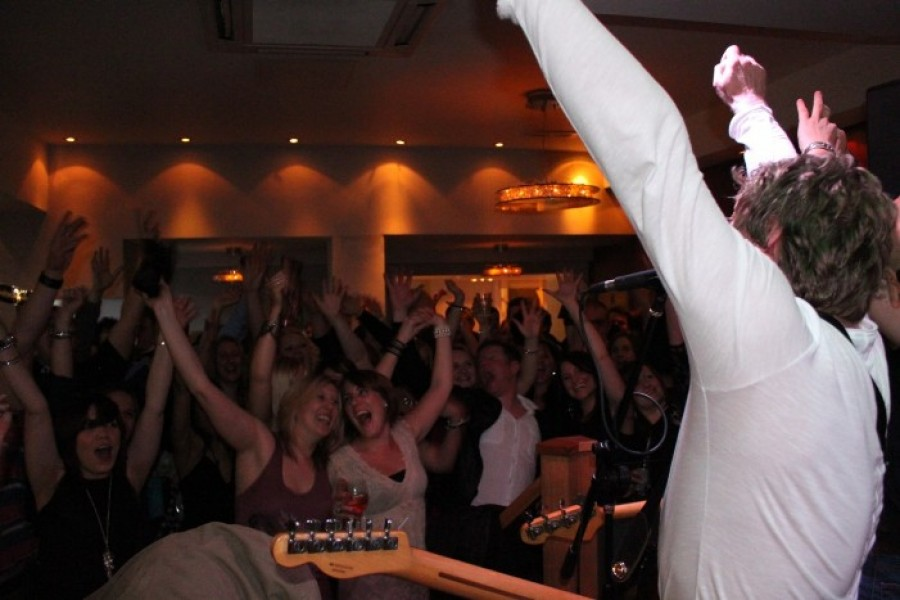 Audio Jam West Midlands Wedding Band With A Rock And Pop Stye Repertoire